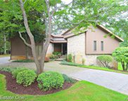2082 SHORE HILL, West Bloomfield Twp image