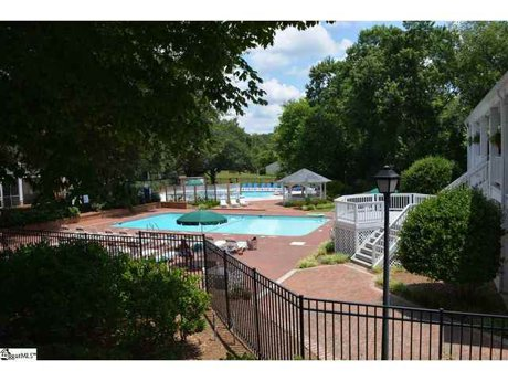 Riverbend Amenities - Pool