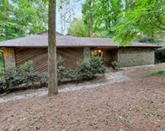 566 Lake Dr, Snellville image