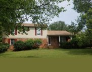 241 Clearlake Dr W, Nashville image