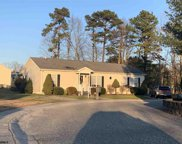 15 Elm Ct, Weymouth Township image