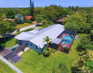 7300 Sw 135th Ter, Pinecrest image