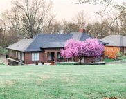 652 Pine Creek, Town and Country image