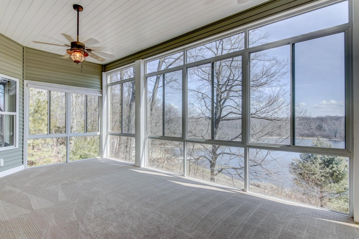 single men over 50 in west simsbury Simsbury, ct recently sold homes , west simsbury formal dining room with wood flooring and over sized sunny windows.