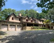 28 Laurel Cove Rd, Oyster Bay image