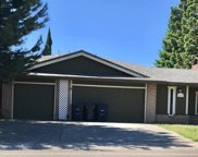 7211 Woodmore Oaks Drive, Citrus Heights image