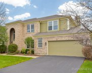 8 Laurel Valley Court, Lake In The Hills image