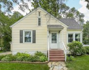 5517 Hillcrest Avenue, Downers Grove image