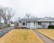 8842 South Keeler Avenue, Hometown image