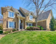 8111 LAKEVIEW Drive, Parkville image