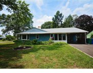 29 Forest Lane, Levittown image
