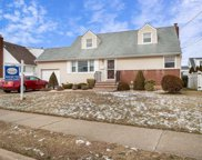 38 Moore Dr, Bethpage image