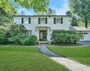 81 Wensley Dr, Great Neck image