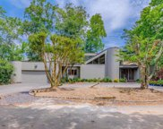 14 Twin Ponds  Street, Great Neck image