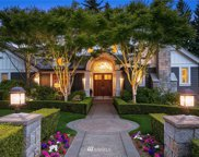 8915 NE 13th Street, Clyde Hill image