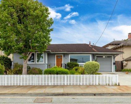 717 Eardley Ave, Pacific Grove