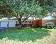 4132 Selkirk Drive W, Fort Worth image