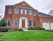 42467 HUNDONMOORE DRIVE, Chantilly image