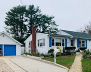 14 Winthrop  Rd, Brentwood image