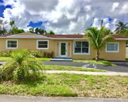 610 Sw 68th Ter, Pembroke Pines image