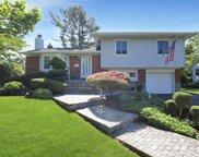 12 Pine  Drive, Old Bethpage image