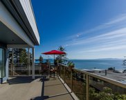 1347 Everall Street, White Rock image