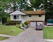 37 Sterling  Lane, Smithtown image