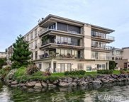 6401 Lake Washington Blvd NE Unit 302, Kirkland image