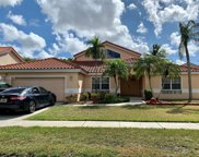 955 Nw 202nd Ter, Pembroke Pines image