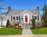 527  Forest Ave, Massapequa image