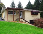 555 Lakeview Dr, South Strabane image