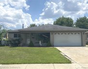 3196 HEDGE, Sterling Heights image