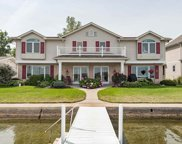 746 S Clear Lake Dr, Fremont image