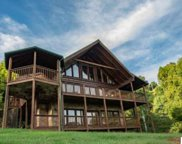 1530 Bench Mountain Way, Sevierville image