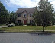 1105 Stone Creek Dr, Hummelstown image