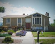 9134 S Morningview Dr, Sandy image