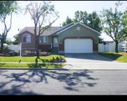 1206 S Inverness Dr W, Syracuse image