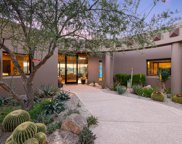 525 E Crescent Moon, Oro Valley image