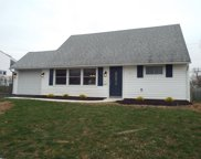 18 Cameo Road, Levittown image