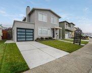 137 Beachview Ave, Pacifica image
