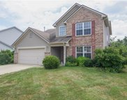 5611 Woodview  Trail, Mccordsville image
