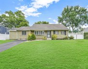 197 Claywood  Drive, Brentwood image
