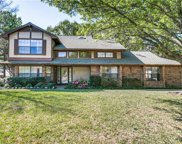 2615 Winding Hollow, Arlington image