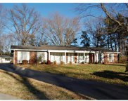 409 Spring Valley, Chesterfield image