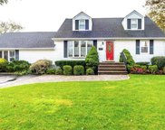 5 Laurel  Place, Bethpage image