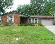 5614 Tall Oaks Ct, Louisville image
