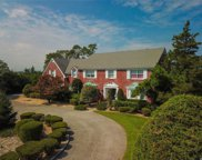 1 Seacoast Ln, Sands Point image