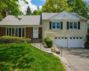 32 Amherst  Drive, New Rochelle image