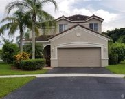 1142 Chinaberry Dr, Weston image