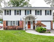30 Pinewood Dr, Commack image